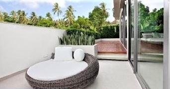 rénovation sols intérieurs pool-house